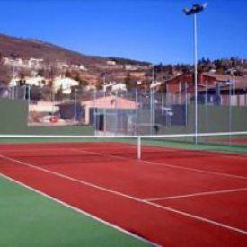 Instalaciones deportivas en Miraflores de la Sierra.(Comunidad de Madrid). Pista de tenis.